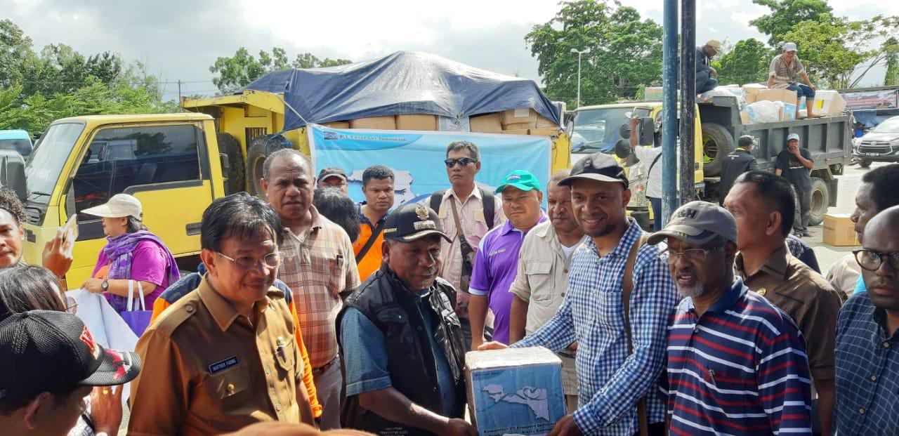 Donations from PTFI community for Sentani flash flood victims