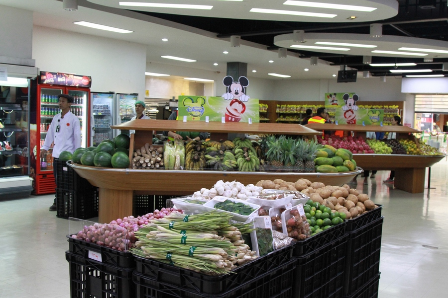 New Grocery Grand Opening