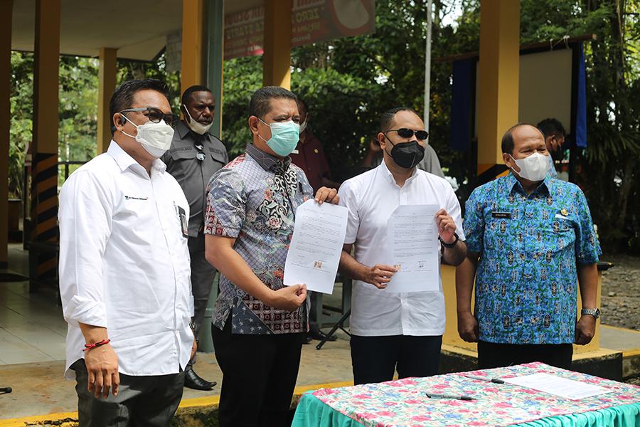 PTFI Handing over Three Clinics to Mimika Government
