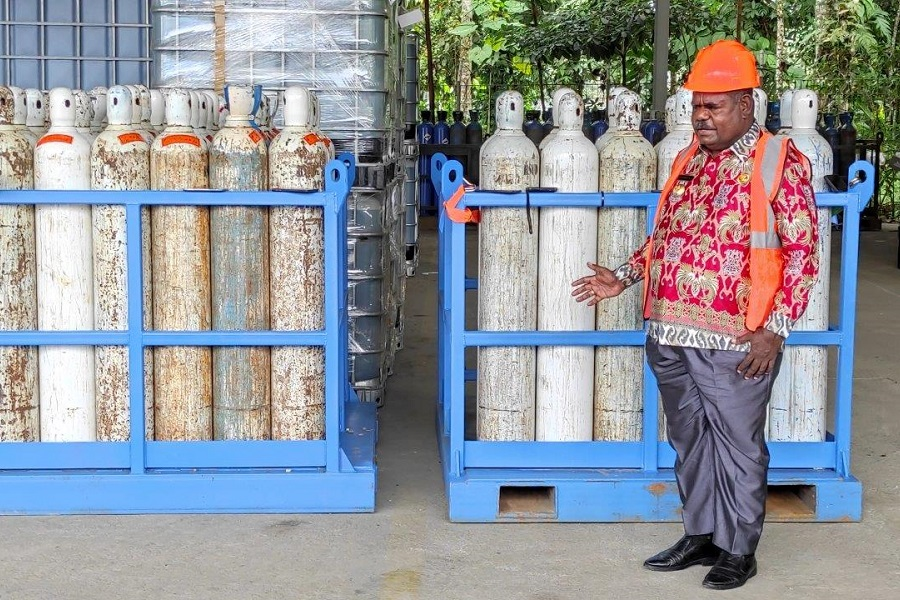 PTFI Expands its Assistance Refilling Medical Oxygen to Asmat Regency